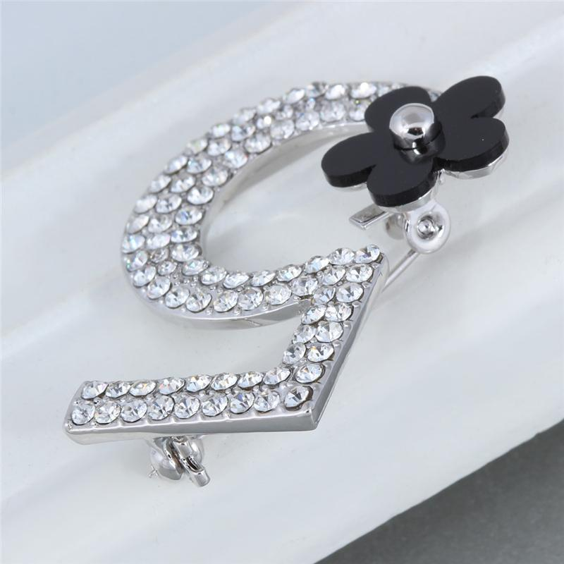 2016 New Brand Brooches Letter 5 Full Crystal Rhinestone Brooch Pins For Women Party Flower Number Brooches Jewelry AS860023