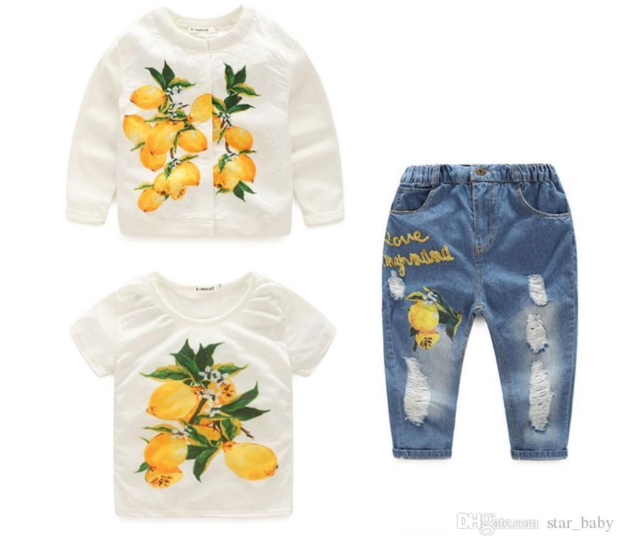 2017 Primavera Ropa para niña Nueva Conjuntos 2 Estilos Flor rosa Limón Conjunto de tres piezas Trajes de moda Chaqueta + camisetas + Jeans Ropa para niños Q0649
