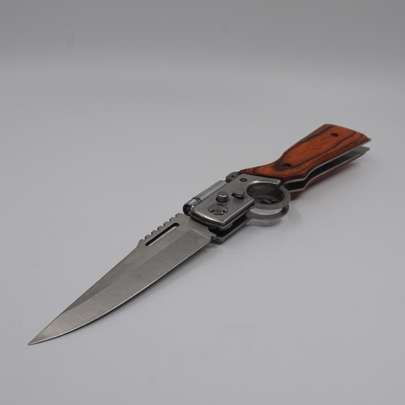 AK47 건 모양의 사냥 칼 440 강철 블레이드 자단 처리 전술 접는 나이프 캠핑 다기능 생존 칼 EDC 도구