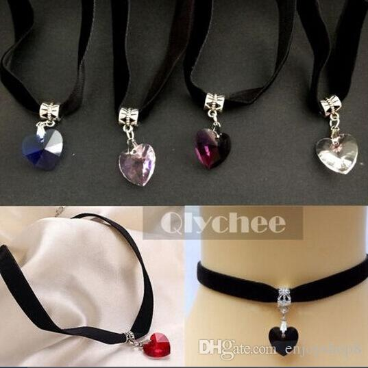 Hot Clavicle Chain Harajuku Retro Velvet Belt Neck Strap Collarn Crystal Heart Punk Choker Necklaces Jewelry for Women