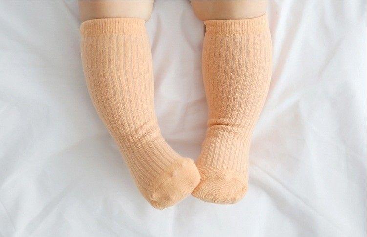 Estilo coreano niños calcetines de alta calidad de algodón puro bebé niños calcetines hasta la rodilla calcetines largos Good Match Toddler Girls ropa accesorios Q0893