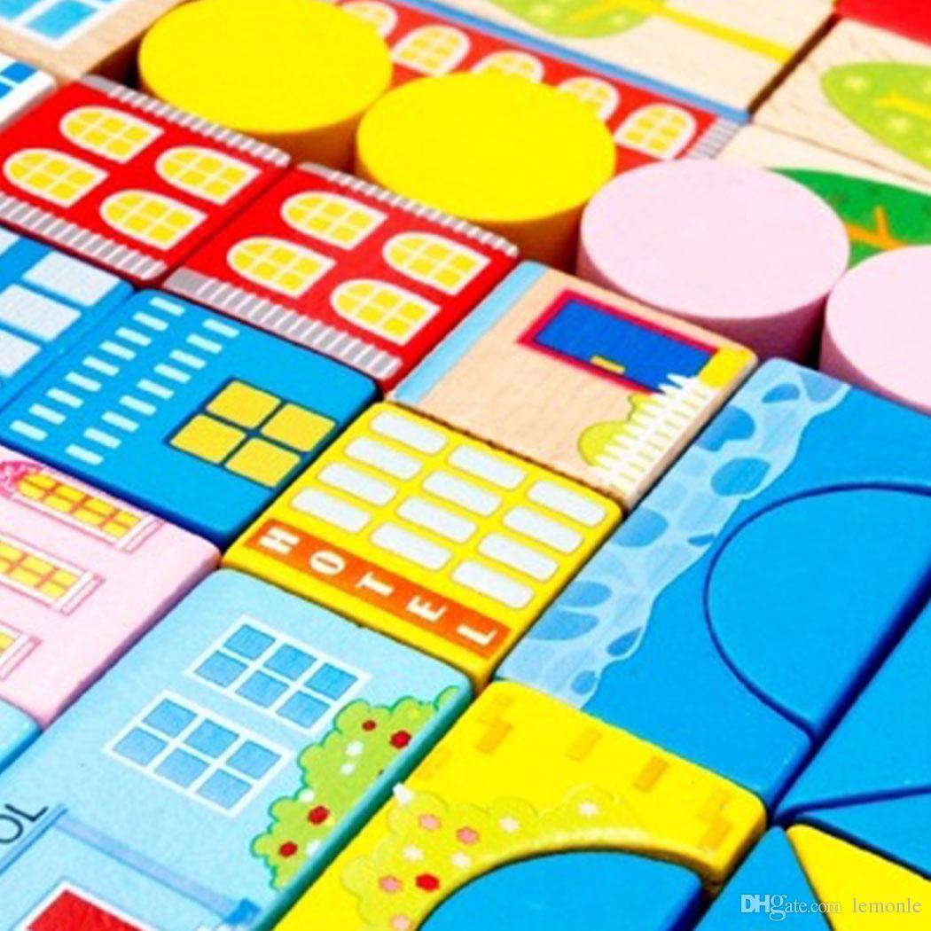 Novo imagens de desenhos animados de cores de segurança cena do tráfego da cidade de madeira blocos de construção de brinquedo de aniversário das crianças e presente de natal com caixa