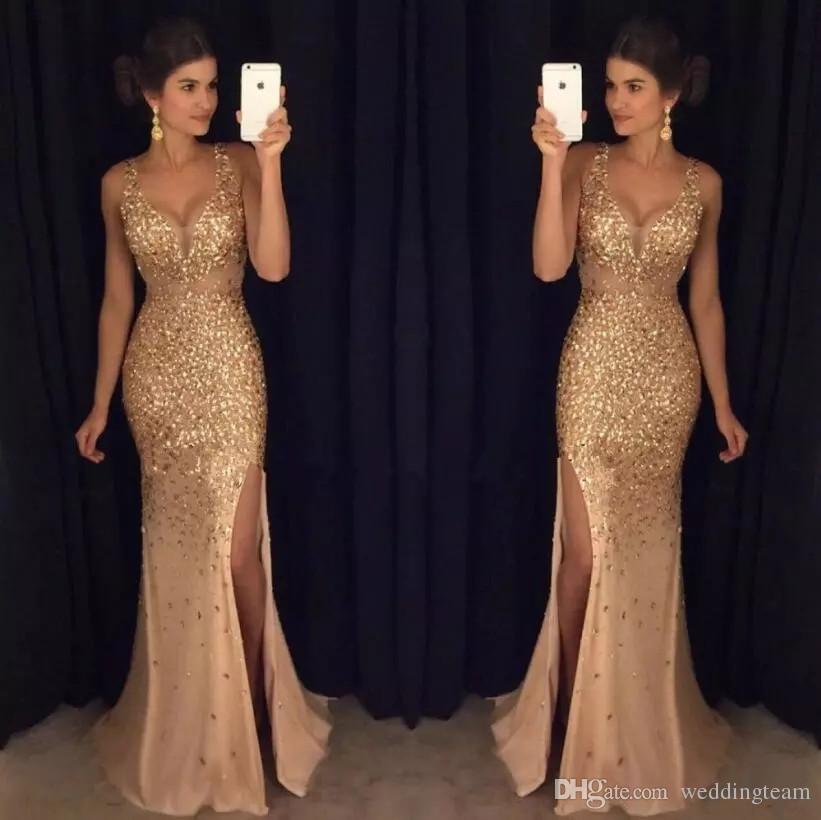 Luxusgoldkristalle Meerjungfrau-Abschlussballkleider Sheer tiefer V-Ausschnitt Backless Split Side Abendkleider Rhinestones Tüll Pageant Kleid