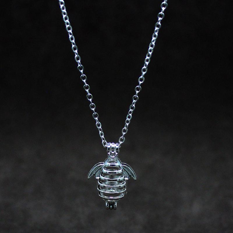rétro argent creux peut ouvrir la cage créatif abeille conception perles en alliage cage parfum huile essentielle diffuseur de mode pendentif boîte orna