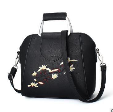 78810555c108 Floral Tote Bags Women Messenger Bags Crossbody Designer Woman Sling Bag  Shoulder Small Women S Handbags Sale 2017 Ladies O Bag Totes Bags Leather  Totes …