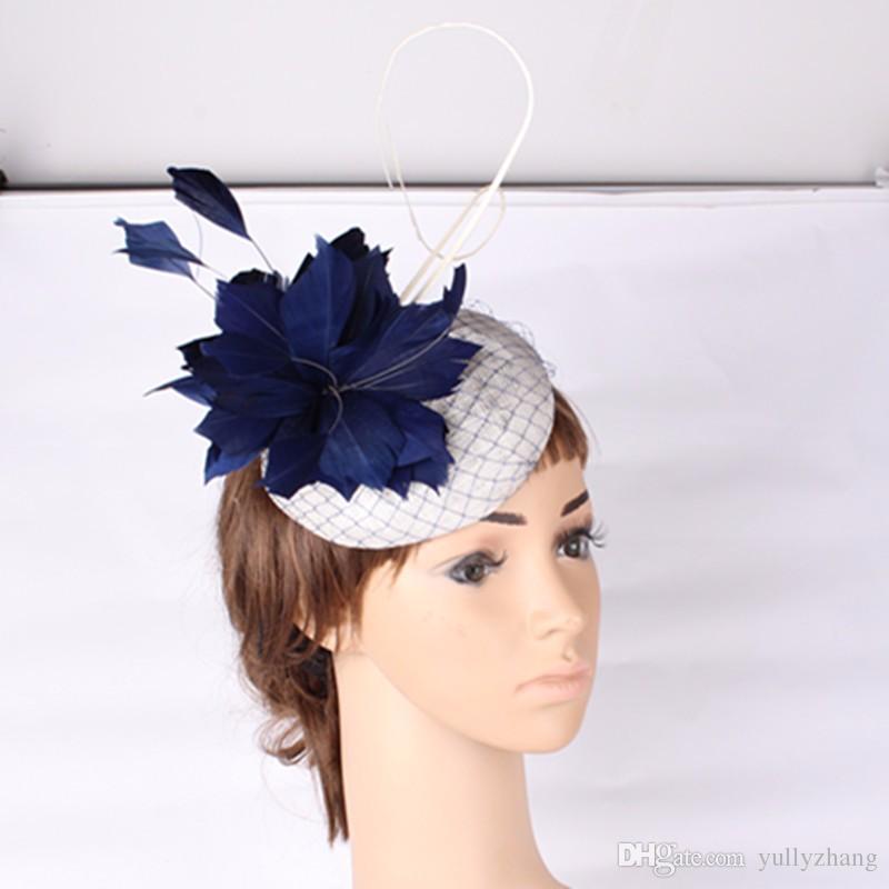 Мода Multiple выбора цвета Sinamay шляпа перо цветок и страуса перо чародей головные уборы коктейль шляпа повод прическа MYQ130