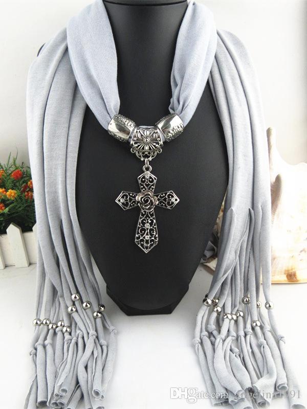 십자가 펜던트 쥬얼리 목걸이 스카프는 다이아몬드 합금 쥬얼리 목걸이와 수지를 포장 여성을위한 스카프 7 색