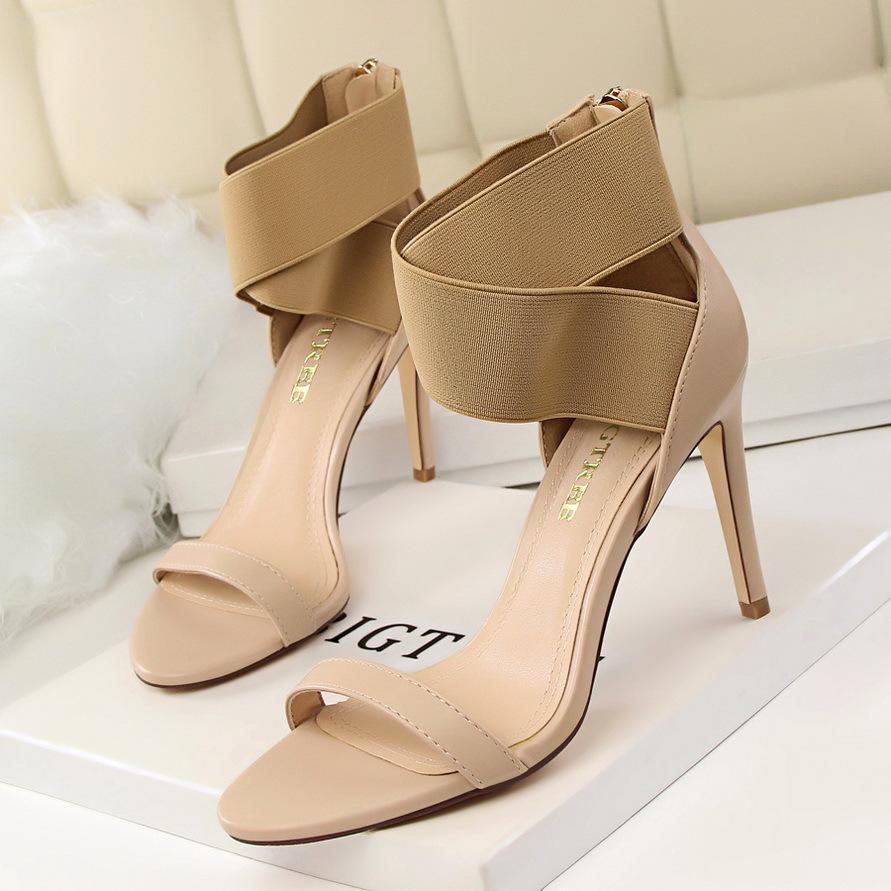 68817abf3 Compre Sapatos De Salto Alto Sandálias Mulheres Sapatos Estudante Sapatos  Tamanho 34 A 39 De Sasazhuxce, $34.18 | Pt.Dhgate.Com