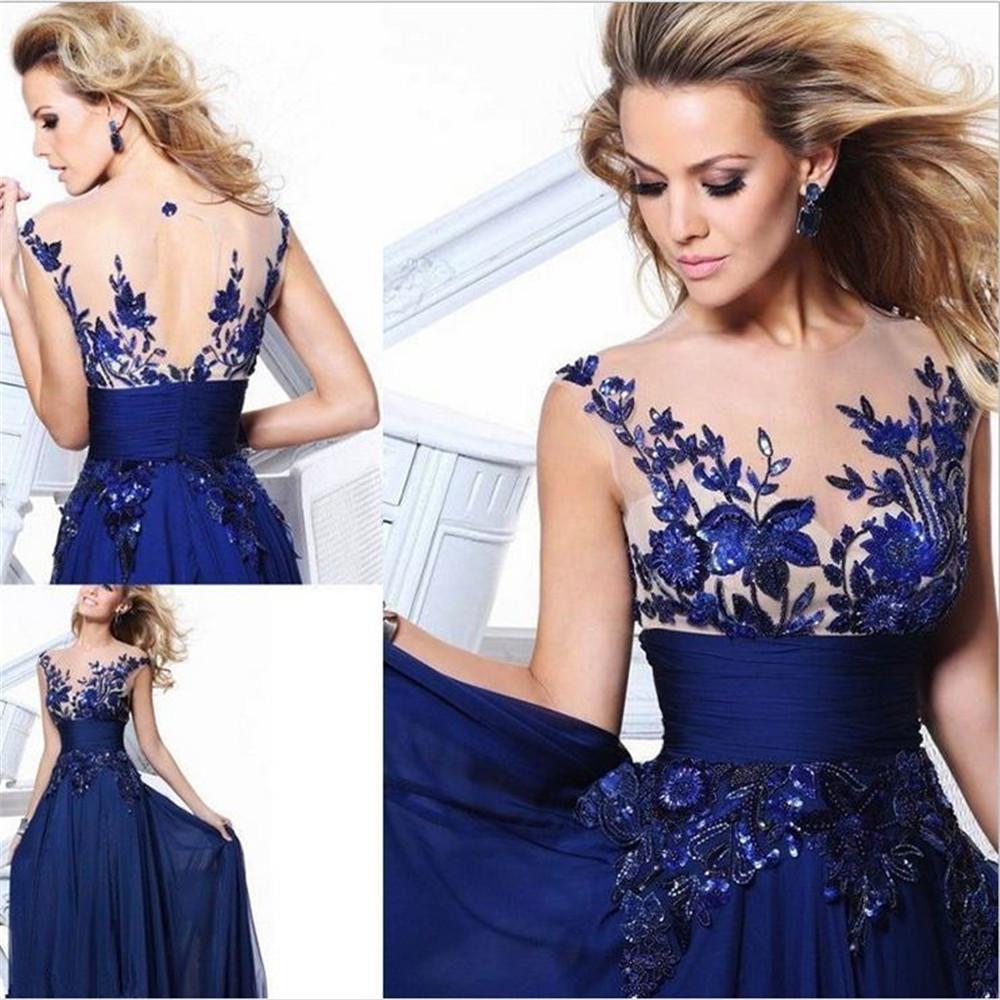 Boda de Adam Rumsfeld e Isabella Hathaway - Página 5 Blue-lace-long-dress-with-flower-row-wedding