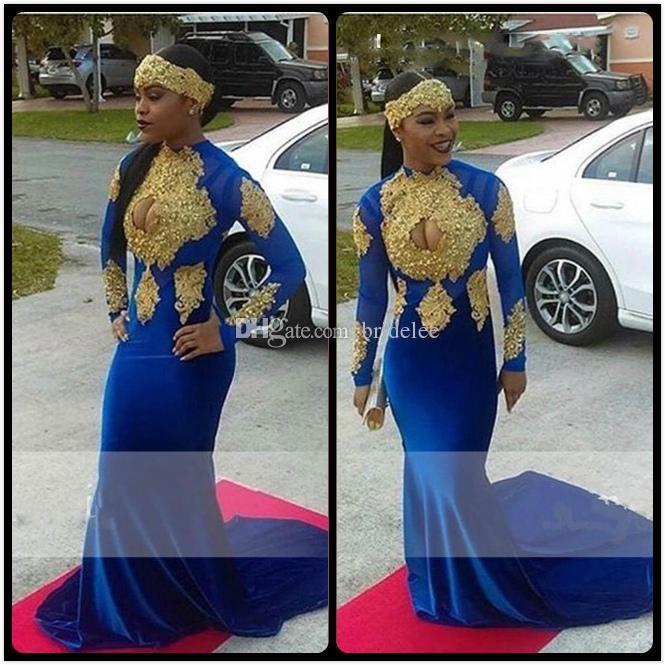 e0be34867 Vestido de noche largo de sirena dorado y azul real con apliques de escote  alto de terciopelo Vestido de fiesta corto