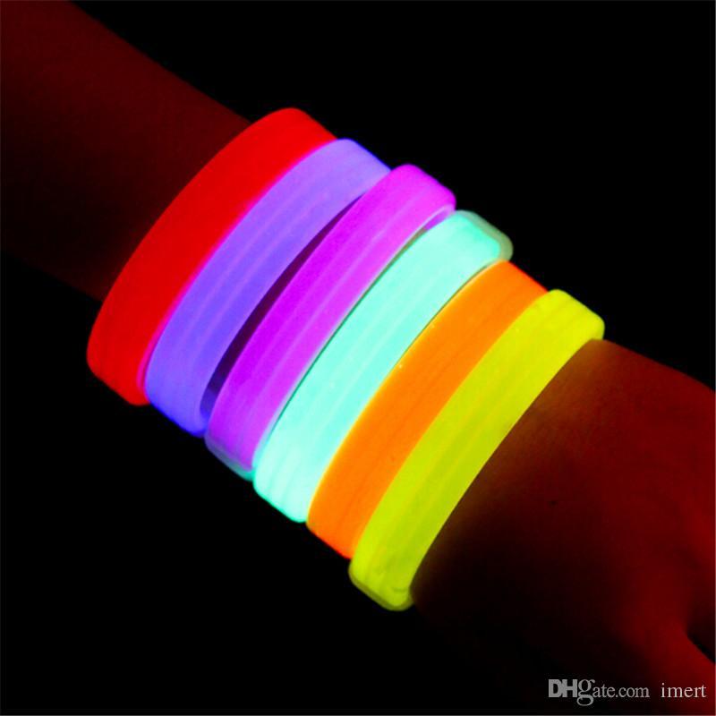 Bracelets activés par la musique Contrôle du son Led Bracelet clignotant Light Up Bracelet Bracelet Bracelet de nuit Activité Party Bar Disco Cheer