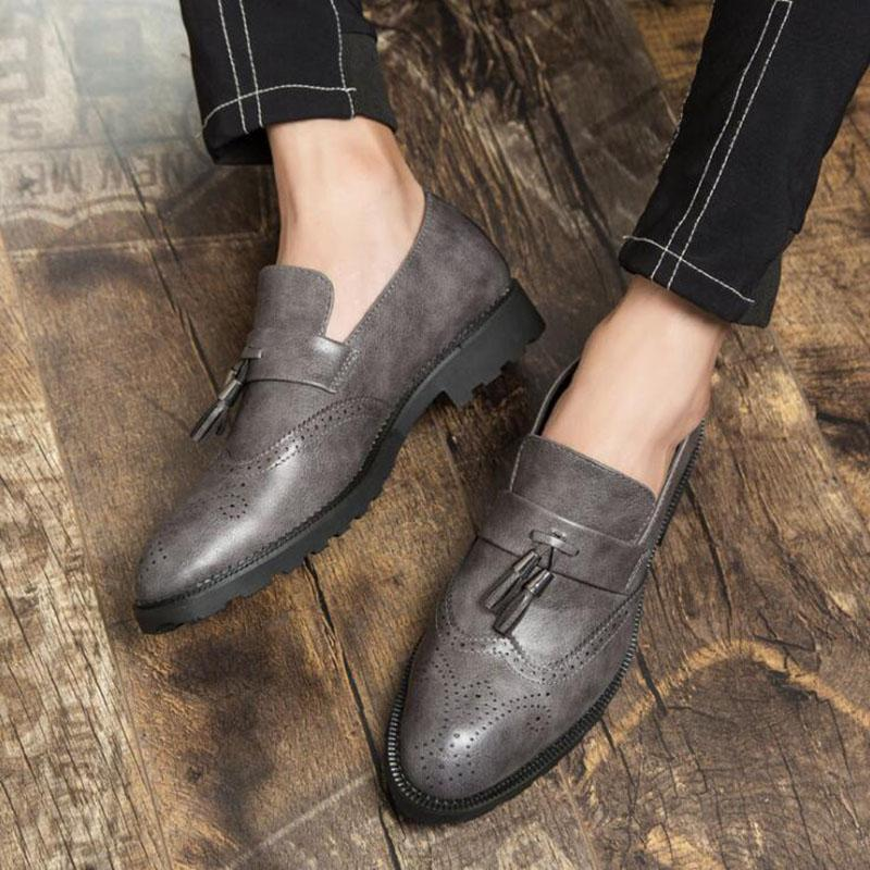 bf09a55f586 Men Loafers Slip On Carved Oxford Bullock Shoes Black Genuine Leather  Tassels Designer Casual Driving Shoes Clogs For Women Shoe Boots From  Tework