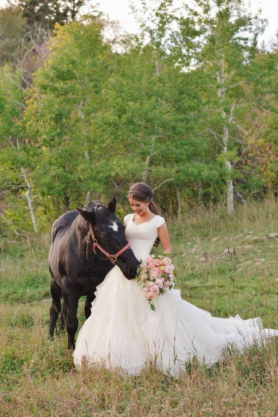 2019 land westerse een lijn trouwjurken v-hals korte mouwen organza tiered kant applicaties bruiloft bruidsjurken aangepaste vestidos de novia