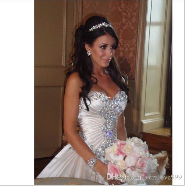 Ivory Bling Pnina Tornai Свадебные платья Милая бальные платья Sparkly Crystal Часовня без спинки Длинный поезд Свадебные платья Дешевые свадебные платья