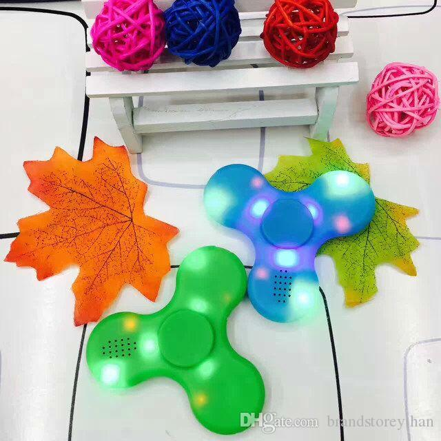 Led Bluetooth Musik Zappeln Würfel Spinner Finger HandSpinner EDC Hand Tri Spinner HandSpinner EDC Spielzeug Für Dekompression Kunststoff Spielzeug in Stoc