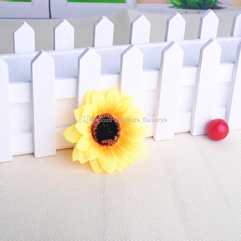 Fiori artificiali di seta dei germogli dei germogli del girasole la decorazione domestica della decorazione della festa nuziale della festa Shipiping libero