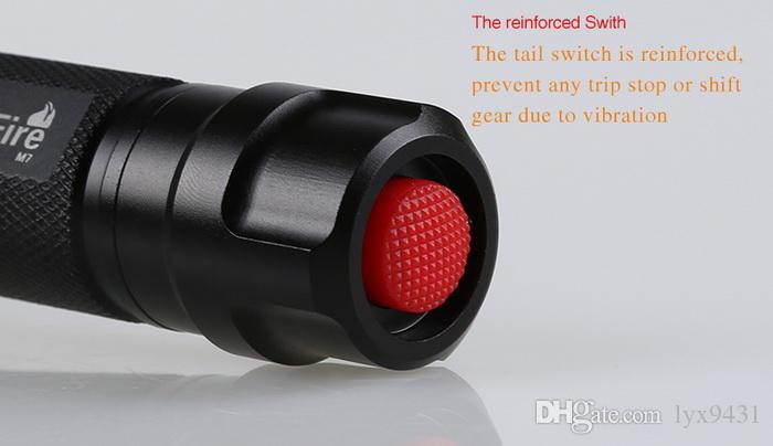 Torcia LED Torcia ricaricabile Interruttore di coda Eccellente qualità Sport all'aria aperta Bicicletta Escursioni in bicicletta Caccia strumento di lavoro Luce impermeabile