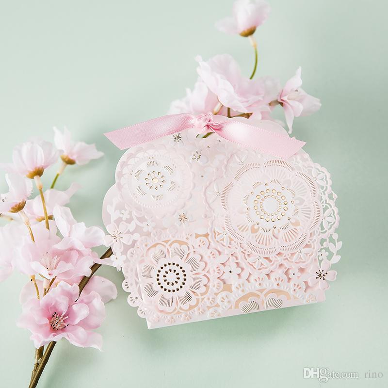 Lazer Kesim Düğün Iyilik Hediyeler Kutuları Pembe Düğün Parti Lehine Çikolata Şeker Kutuları Yüksek Kaliteli Kağıt Kutusu