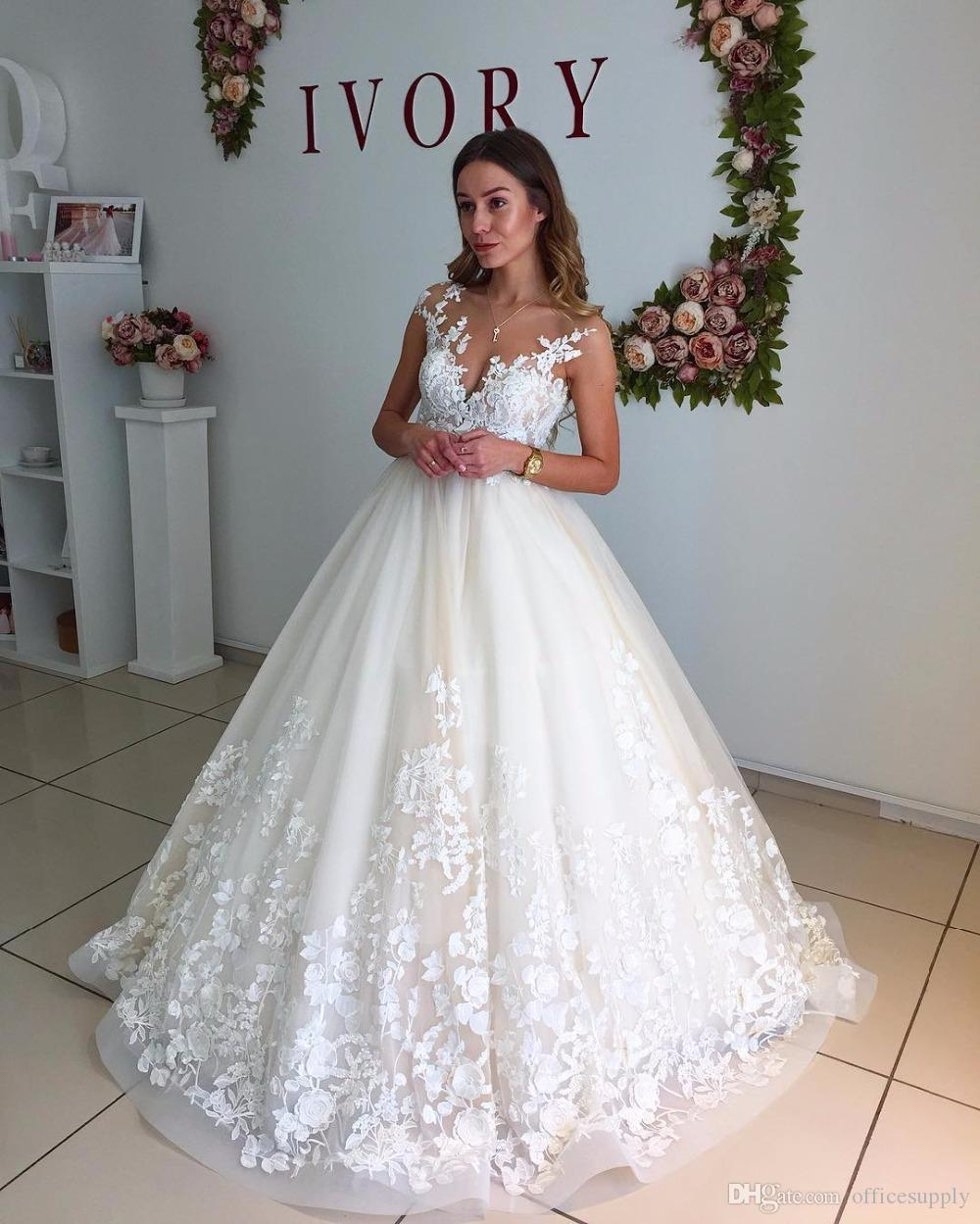 Ball Gown Wedding Dresses 2019 Chapel Train Sleeveless Tank Lace Appliques Deep V-Neck Zipper Bridal Gowns Vestidos De Noiva