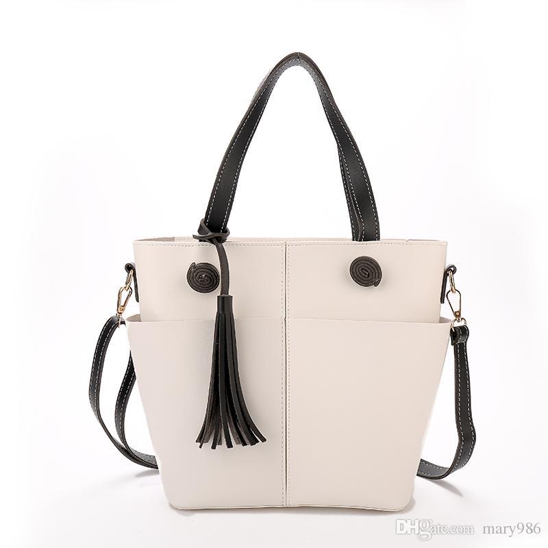 Купить Оптом Tassel Women Messenger Кожаные Сумки Vintage Designer Handbags  Высокое Качество Наплечной Сумки Crossbody Женская Распродажа Сумки Для Дам  ... ed825d8f6a0