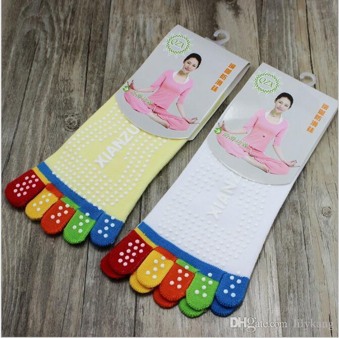 5-Toe Yoga Socks Sports Socks Half Toe Summer Women Girl Colorful Yoga Gym Non Slip Massage Toe Socks Fitness Full Grip Activing sock