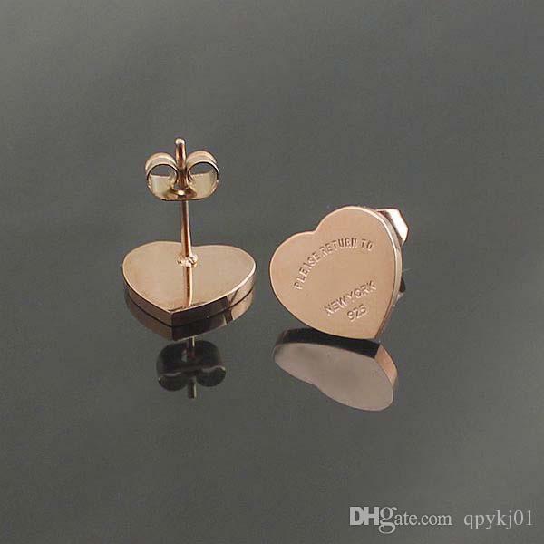 Ünlü marka 316L Titanyum çelik saplama Küpe Lüks Kalp Şekli Marka Kadınlar Charm aşk Küpe Moda Takı toptan