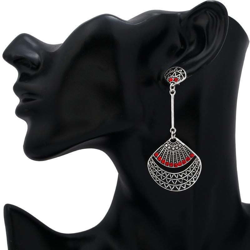 Neue Ankunfts-Antike-Silber überzogene Shell-Form-Höhle Quaste Lange Ohrstecker baumeln Ohrring-Frauen-Schmuck