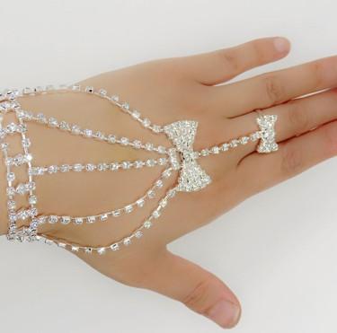Wedding Jewelry Bridal Finger Ring Bracelets Rhinestone Bowtie Bridal Hand Harness Bangle Slave Chain Bracelets Wedding Hand Bracelets