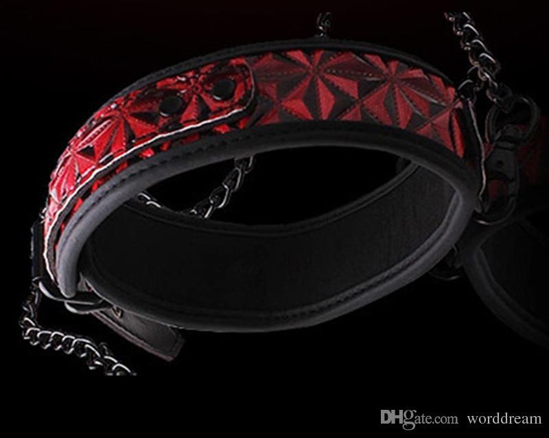 Bdsm Sex Dog Slave Collar Bondage Belt con catena di metallo nei giochi adulti, giocattoli del sesso fetish donne e uomini