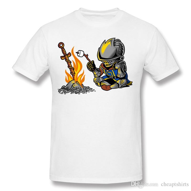 Funny guerrero hombres camiseta suave camiseta de equipo de diseño de cuello redondo retro para hombre tops de manga corta para los jóvenes en una hoguera abierta