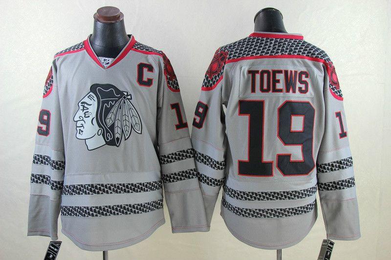 barato NHL Chicago Blackhawks # 19 Jonathan Toews blanco rojo verde negro gris Camo Winter Clásico cosido Logo NHL Hockey Jerseys