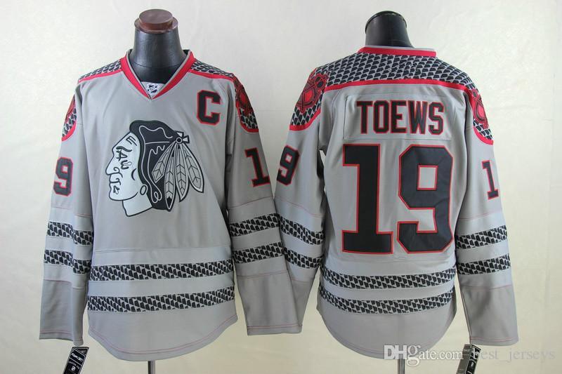 ucuz NHL Chicago Blackhawks 19. Jonathan Toews Beyaz Kırmızı Yeşil Siyah Gri Camo Kış Klasik Dikişli Logo NHL Hokey Formaları
