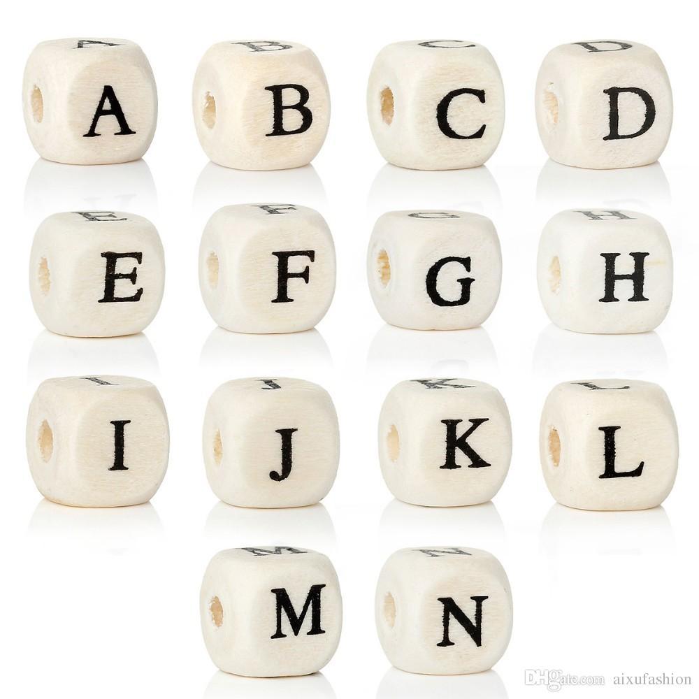 Granos de madera 200 unids / lote Alfabeto Natural / Letter Cube Granos de Madera 8x8mm 10x10mm Para La Fabricación de Joyas DIY Pulsera Neklace Perlas Sueltas
