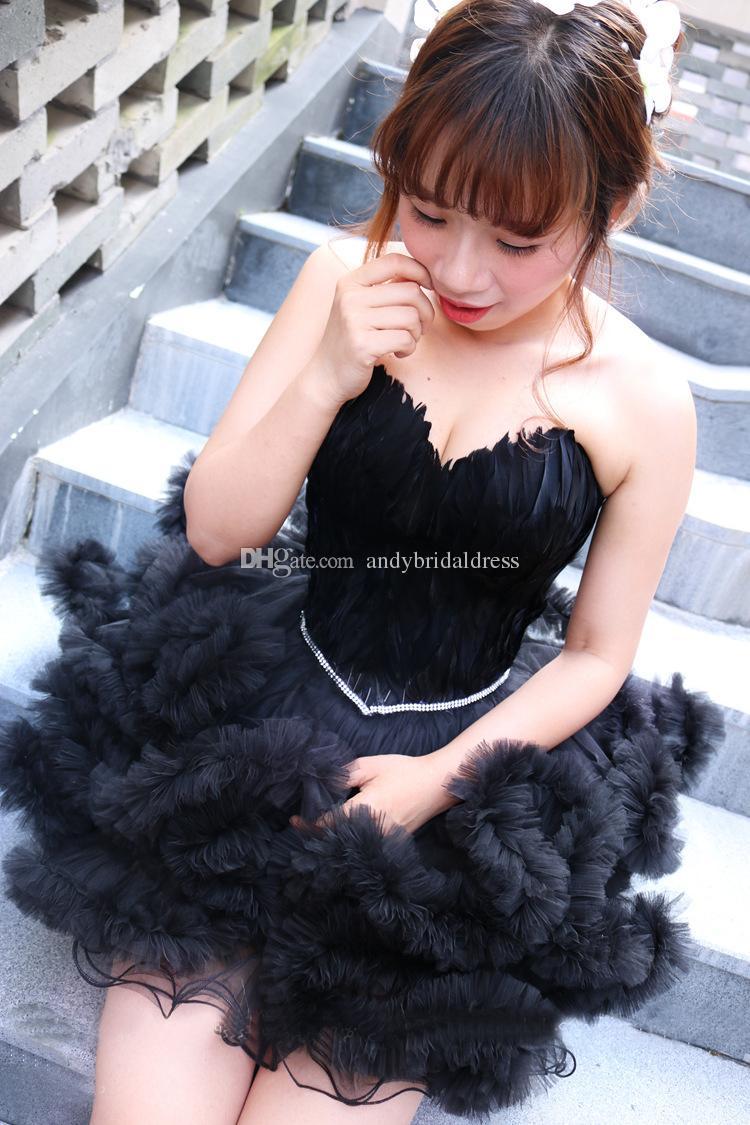 جميل الحبيب الريشة منتفخ تنورة فستان كوكتيل قصير فتاة فساتين المسابقة بلا أكمام حمالة العودة للوطن اللباس جديد
