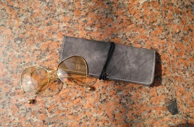 Hafif Taşınabilir PU Çanta Güneş Gözlüğü Çanta Kılıfı Moda Gözlük Yumuşak Durumlarda Kadınlar Erkekler Için 8 * 18 25 adet / grup Ücretsiz Kargo