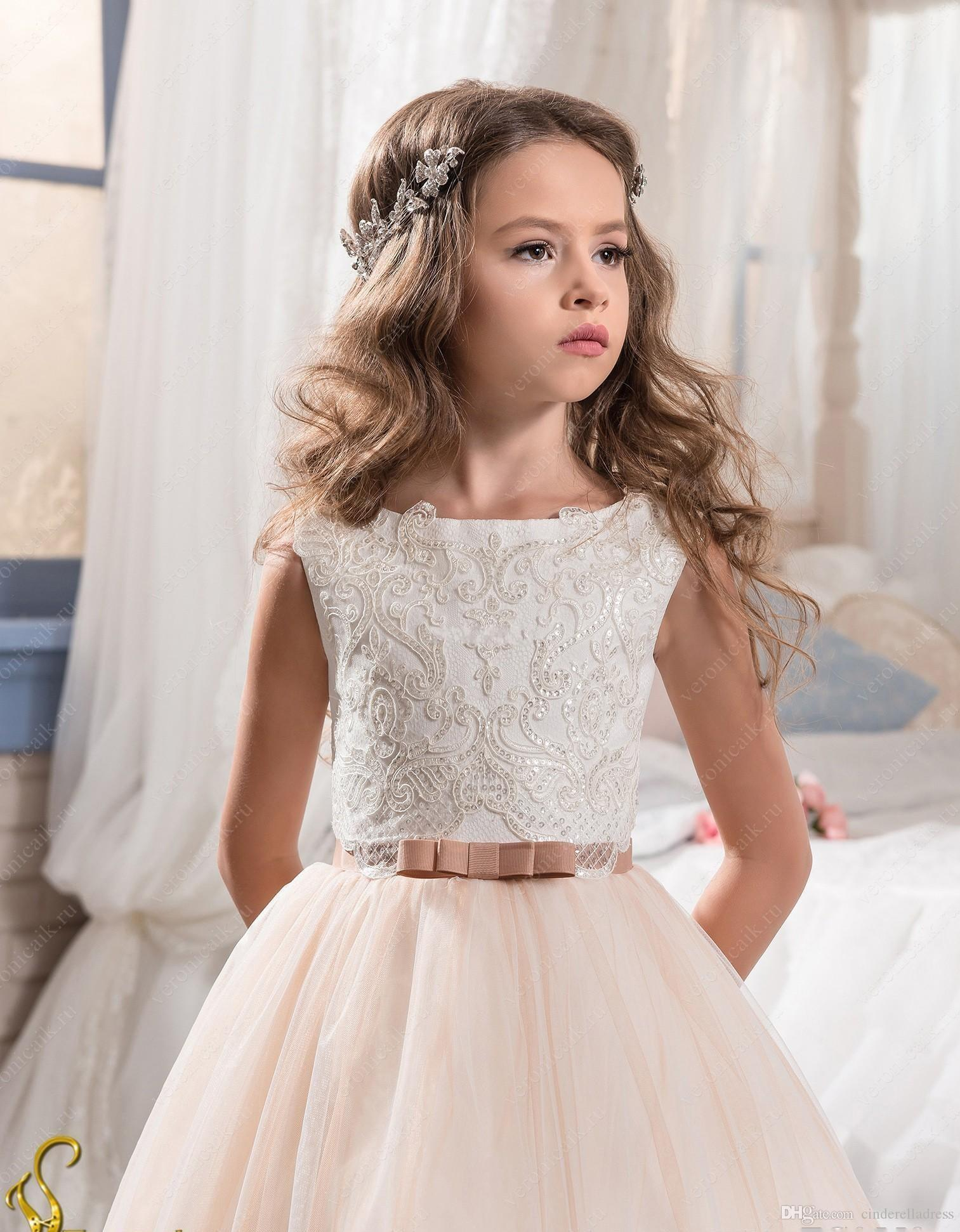 2019 Vintage Flower Girl Dresses For Weddings Blush Pink Custom Made Princess Tutu Sequined Appliqued Lace Bow Kids First Communion Gowns