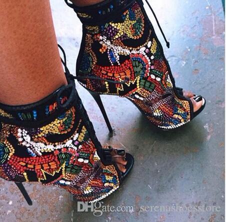 2017 Мягкая Кожа Зашнуровать Женщины Ботильоны Обувь Женщина Мульти Стразы Покрыты Высокие Каблуки Женщины Сандалии Сапоги Zapatos Mujer