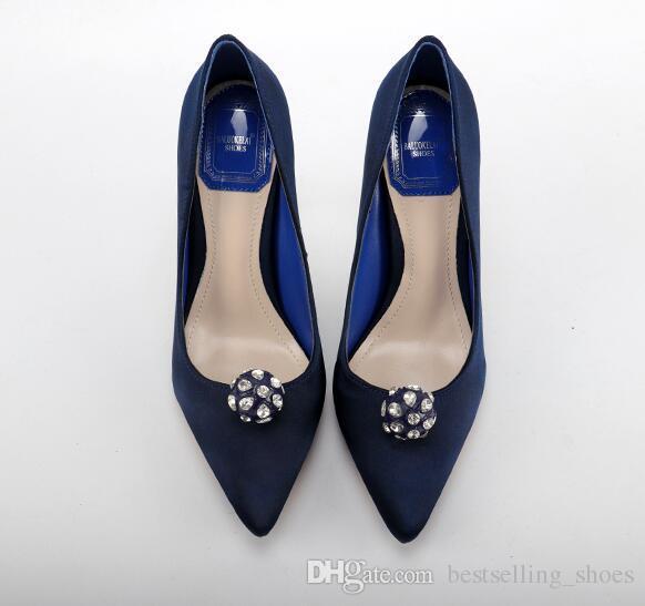 2017 весна новое прибытие алмазный шар острым носом тонкий высокий каблук женщины сандалии шелковый атлас элегантный темперамент дамы насосы