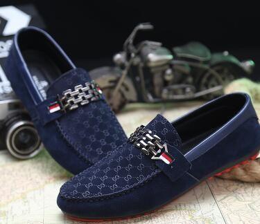 الأزياء الساخنة القيادة الأحذية المتسكعون الرجال الأحذية الجديدة الرجال المتسكعون الفاخرة عالية الجودة شقة أحذية واحدة للرجال عارضة الأحذية شحن مجاني