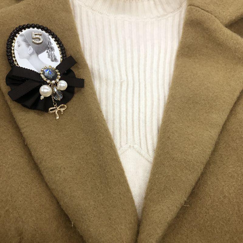 Yeni varış kore moda lüks inci çiçek 5 büyük korsaj siyah yaka pin için kadın takım elbise rozet broşlar / broches / brosche / toptan ücretsiz