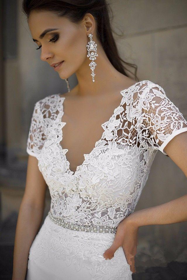 Charme gaine en dentelle Top Robe de mariée col en V Ceinture perlée Robe de mariée à manches courtes robe de soirée
