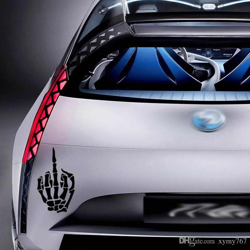 İskelet Orta Parmak Sticker Için araba Styling Kafatası Kemik Saygısız Kapalı Jdm Araba Vinil Çıkartması Aksesuarları Grafik Dekor