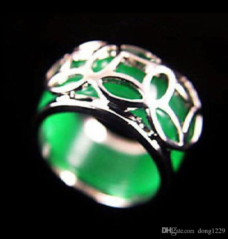 emerald green jade silver coin fortune ring size 8 9 wedding rings for men vintage rings from dong1229 732 dhgatecom - Jade Wedding Ring