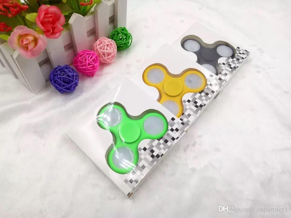 HI-Q 9 LED Hand Spinner Metal Fidget Spinner Finger Fingertip Gyro Tri-Spinner lighting Handspinner Fidget Toys EDC Decompression Toy