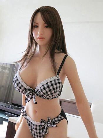 Life like rubber sex dolls