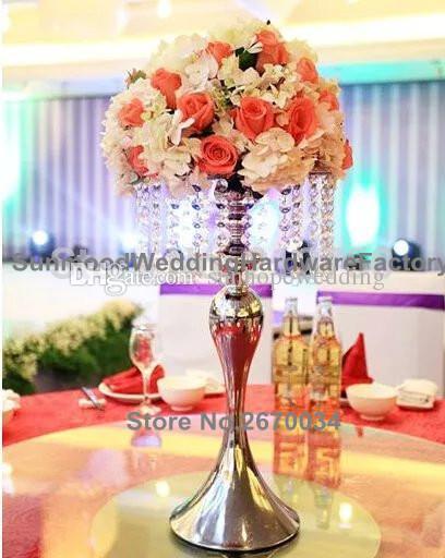 حامل زهور طويل القامة ، حامل من الفضة أو الذهب ، مزهرية معدنية للديكور في الممر