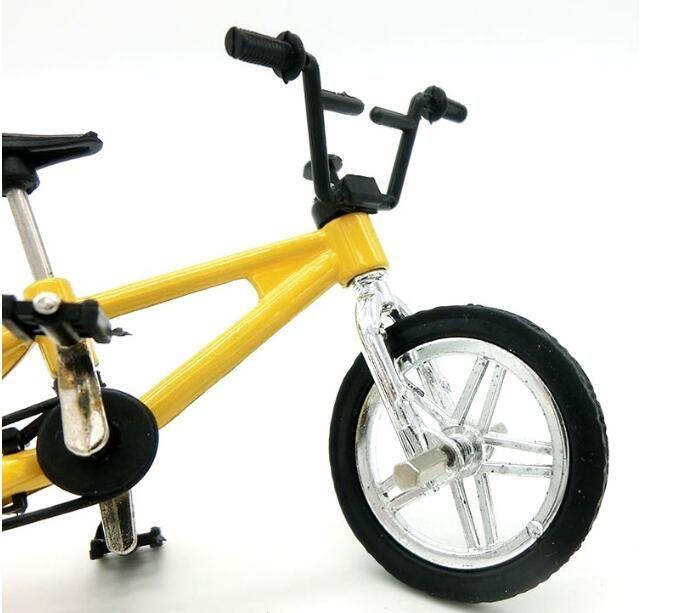 Alloy Mini Finger Bikes Model Toys Desktop Bicycle Model Toys Mini Finger Bicycle for Kids Toys Christmas Car Decor Parts