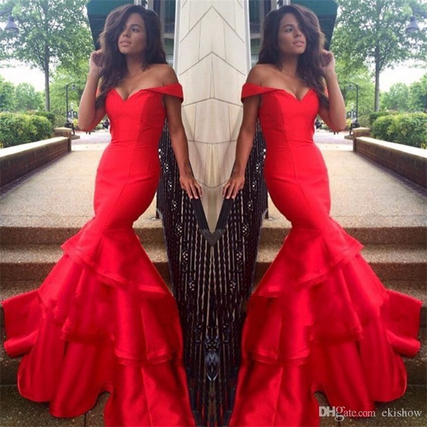 2017 Sexy Red Mermaid Abendkleider Weg Von Der Schulter Lange Abendkleid Bodenlangen Party Kleider Tiered Röcke Lange Celebrity Dress Custom