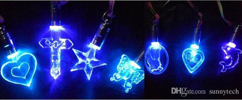 Nouveauté Flash LED Collier Coeur Étoile Papillon Pendentif Lueur Dans Les Fêtes De Noël Décorations De Fête Cadeau Pour Les Enfants ZA4588