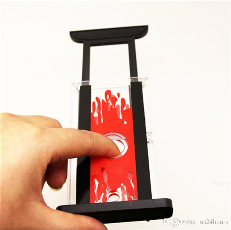 Hot Wholesale Finger Hay Cutter Chopper Magician Trick Prop Close Up Funny Magic Toys